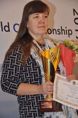 Zoja Golubeva pēc apbalvošanas pasaules čempionātā Tallinā. 2017. gads.